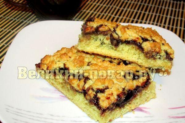обсыпной пирог с вареньем