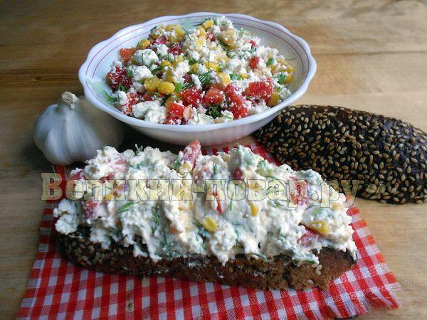 Салат с разноцветными болгарскими перцами